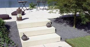 """Ein modernes und elegantes Hausdesign lässt sich mit den Produkten der """"Pasand ModernLine"""" in der Gartenarchitektur fortsetzen. Foto: djd/Lithonplus GmbH & Co. KG"""