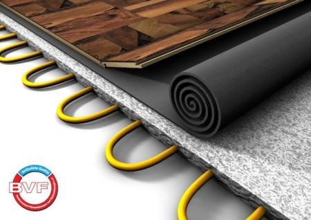 Renovierer können aufatmen: Eine Flächenheizung – hier als Fußbodenheizungssystem – lässt sich auch im Altbau problemlos installieren. (Foto: epr/Bundesverband Flächenheizungen und Flächenkühlungen/fotolia.com)