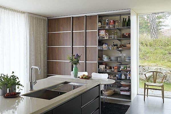 Offene Wohnküchen: Eine Schiebetür vorm Arbeitsbereich kann ...