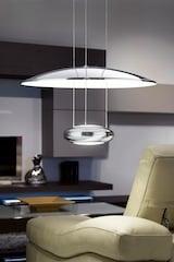 Designerleuchten unterstreichen das Ambiente eines Zimmers. Foto: djd/Lampenwelt