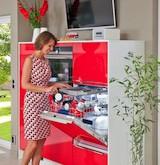 Die moderne Küche muss praktisch und funktional sein, aber auch schön und ästhetisch. Komfort und Bequemlichkeit dürfen ebenfalls auf keinen Fall zu kurz kommen. Foto: djd/Küchen Quelle GmbH
