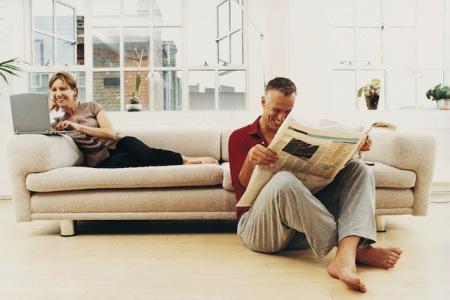 Räume zum Wohlfühlen: Eine fachmännische Dämmung und regelmäßiges Lüften tragen zu einem gesunden Raumklima bei und schützen vor Schimmelbildung. Foto: djd/FV WDVS/Digital Vision
