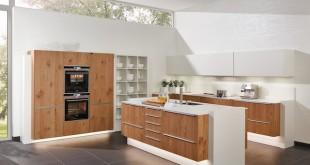 Neben der Optik kommt es bei der Küchenplanung insbesondere auf die Ergonomie und praktische Mehrwerte an. Foto: djd/TopaTeam