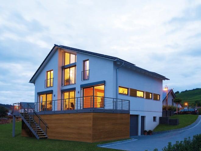 Das Bauen mit Holz entspricht dem Trend zu mehr Nachhaltigkeit in allen Lebensbereichen. Foto: Schwabenhaus