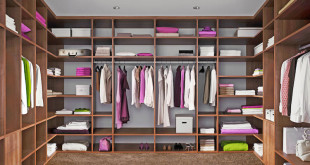 Nicht nur Ordnungsliebende werden die Vorteile eines begehbaren Kleiderschranks schnell nicht mehr missen wollen. Foto: djd/TopaTeam/Raumplus