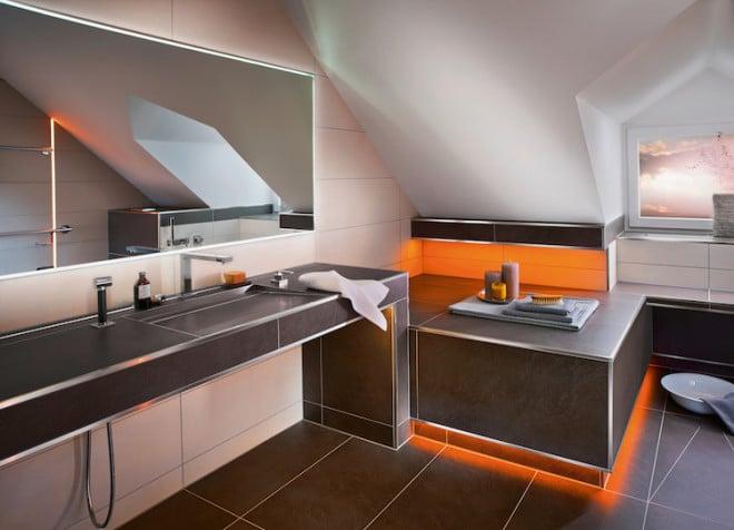 Intelligente Systemlösungen machen das barrierefreie Badezimmer zu einem Wohlfühlbereich. (Foto: epr/Schlüter-Systems)