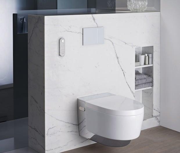 Ein echtes Lifestyle-Produkt: Das neueste Dusch-WC von Geberit wurde von Designer Christoph Behling gestaltet. AquaClean Mera vereint die Po-Reinigung mit Wasser und weitere Komfort-Funktionen mit einer schönen Form.Quelle: Ansel & Möllers GmbH
