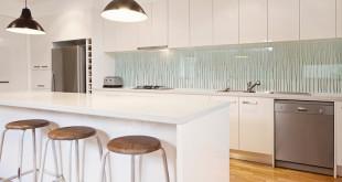 Passgenau, optisch ansprechend und pflegeleicht – so macht Glas in Bad und Küche von sich reden. (Foto: epr/Tardis)