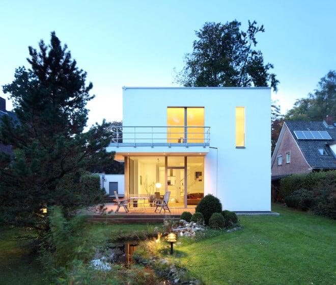 Die Vorteile energieeffizient sanierter Häuser sind vielfältig. Foto: djd/dena/Sönnecken