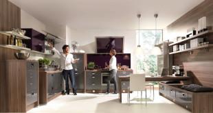 Ein Ort des Genusses: Damit das Kochvergnügen wirklich zum entspannten Hobby wird, sollte bei der Planung auf ergonomische Details geachtet werden. Foto: djd/TopaTeam/Nolte