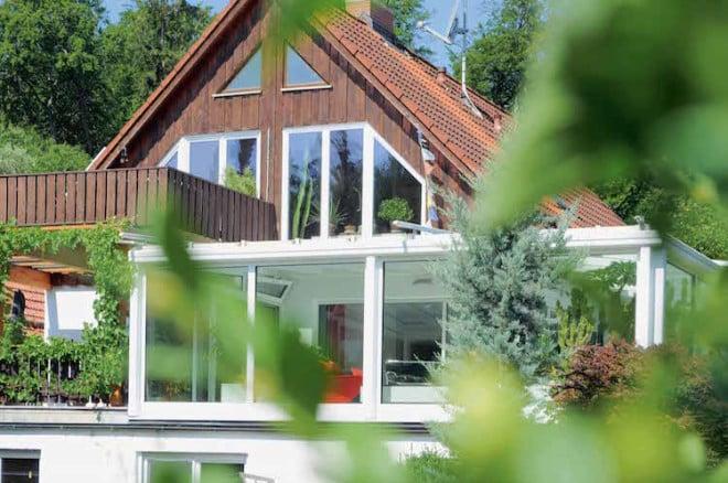 Tolle Aussichten: perfecta kümmert sich darum, dass die neuen Fenster zum persönlichen Wohnstil passen. (Foto: epr/perfecta)
