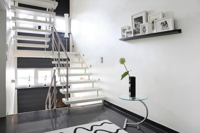 Weiß ist derzeit sehr angesagt. Es ist zeitlos und passt zu einem modernen Einrichtungsstil. (Foto: epr/Kenngott)