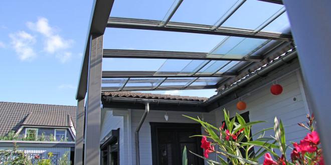 terrassen kann man mit einem soliden glasschiebedach. Black Bedroom Furniture Sets. Home Design Ideas