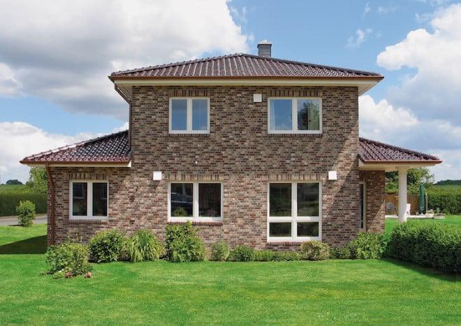 Alle Häuser von VarioSelf überzeugen durch eine ökologische, energieeffiziente Bauweise. Die massiven Wände werden aus dem zu 100 Prozent natürlichen, recyclingfähigen Material Blähton gefertigt. (Foto: epr/VarioSelf)
