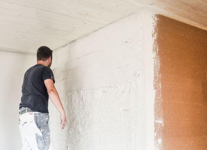 Die Kalkinnenputze von Schwenk eignen sich ideal für den Einsatz in Holzhäusern. Foto: Schwenk Putztechnik