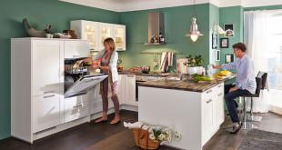 Küchen sind heute oft der Mittelpunkt des Hauses. Entsprechend hoch sind die Erwartungen an die Einrichtung. Foto: djd/KüchenTreff GmbH & Co. KG