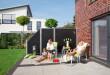 Die Sonne genießen ohne dabei beobachtet zu werden – Ein Sichtschutz bietet mehr Privatsphäre auf der heimischen Terrasse. Bild: tdx/Brügmann TraumGarten
