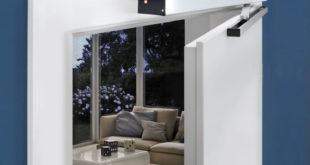 Der Innentürantrieb eignet sich je nach Türgröße für Holz- und Stahltüren und kann über Wandtaster, Handsender oder die passende App betätigt werden. Foto: djd/Hörmann