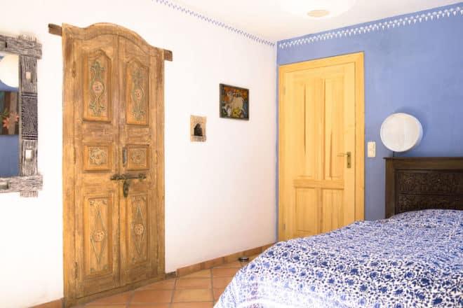 Antike indische Tür als Schranktür Foto: Guru-shop GmbH