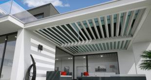 Mit diesem Hightech-Terrassendach, bestehend aus drehbaren thermochromen Glaslamellen, kann das Naherholungsgebiet vor der Haustür vollends genossen werden – sei es bei Hitze, Wolken oder Regen. (Foto: epr/fledmex.com)