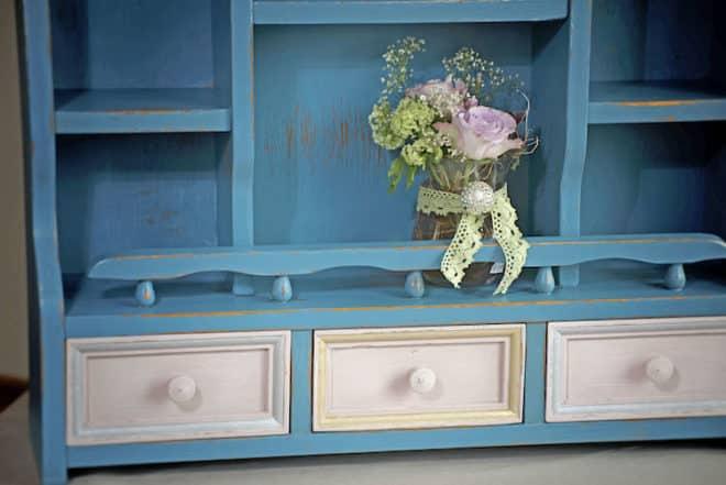 Ein echtes Unikat: Shabby-Möbel weisen eine höchst individuelle Optik auf und schmücken damit jeden Wohnraum. Foto: djd/Palm Norge