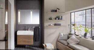 Behaglichkeit und Natürlichkeit prägen die aktuellen Einrichtungstrends im Bad, vor allem Holz ist für Möbel, Wände und Böden angesagt. Foto: djd/TopaTeam/Burgbad
