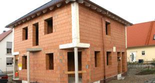 Massivhäuser aus Ziegelmauerwerk gewährleisten besten Wärmeschutz und gutes Raumklima. Bild: tdx/Lebensraum Ziegel/Mein Ziegelhaus