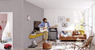 Mit der E-Gitarre üben, während nebenan der Nachwuchs schläft: Spezielle Gipsplatten sorgen für einen wirksamen Schallschutz und lassen sich einfach nachrüsten. Foto: djd/Knauf Bauprodukte