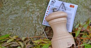 Für alle Küchenaccessoires werden jeweils Holzarten mit den bestmöglichen Eigenschaften verwendet. Foto: djd/PEFC
