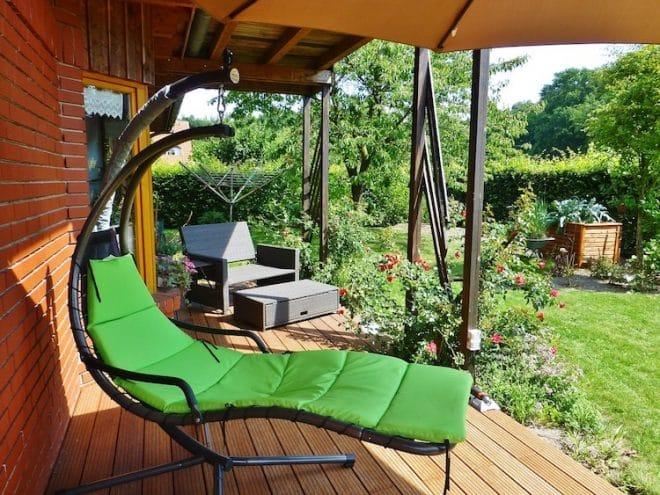 Die Terrasse im eigenen Garten ist ein beliebter Aufenthaltsort