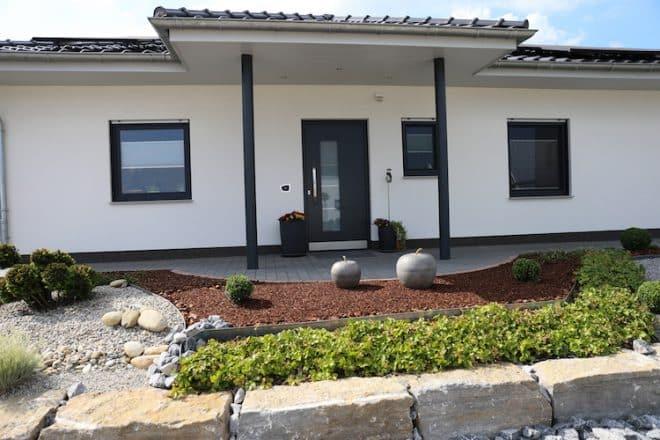 Die moderne Haustür von Kuporta gibt es in verschiedenen Varianten