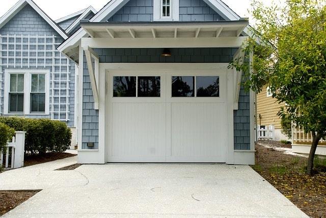 Bevor der Winter Einzug hält sollte nicht nur der Garten, sondern auch die Garage wintertauglich gemacht werden.