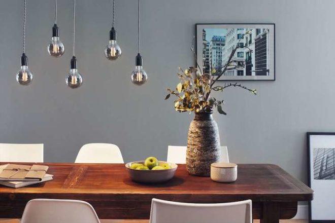 Viele dekorative LED-Leuchtmittel sind so attraktiv, dass es zu schade wäre, sie unter einem Lampenschirm zu verstecken.