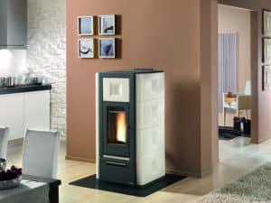 Die zukunftsorientierte Wärmeversorgung besteht aus Sonnenenergie, Luft und Holz.