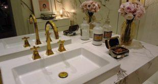 Ein Badspiegel gehört in jedes Badezimmer